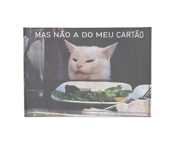 dobra - Porta Cartão - meme gato na mesa