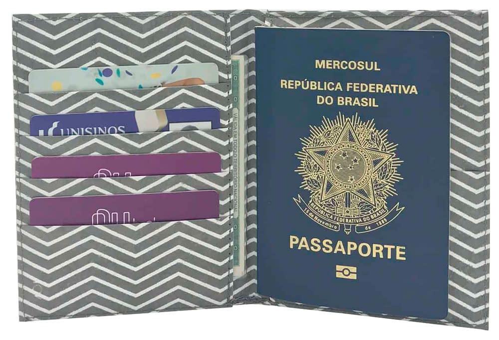 porta passaporte foto sem fundo cheio