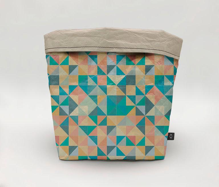 dobra cachepo triangulos coloridos