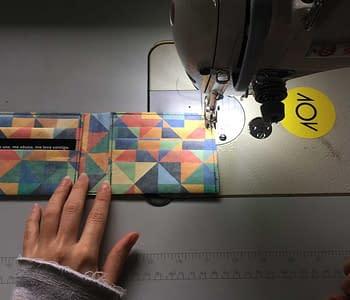 como as carteiras costuradas da dobra são feitas